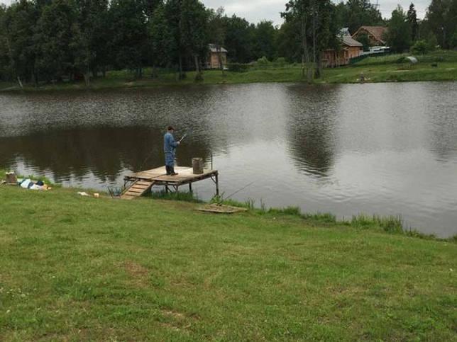 Зеркальное озеро: рыбалка и какая рыба водится
